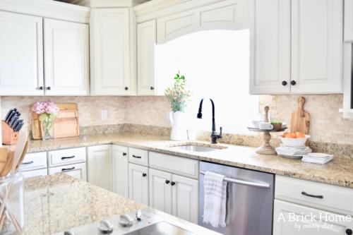 A Brick Home: spring kitchen, spring kitchen decor, spring kitchen decor countertops, kitchen decor, kitchen ideas #springdecor #kitchendecor #kitchenideas